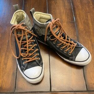 Leather Converse Chuck Taylor high tops EUC black
